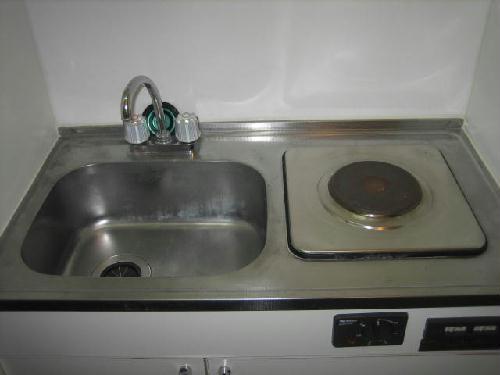 レオパレス西幸 203号室のキッチン