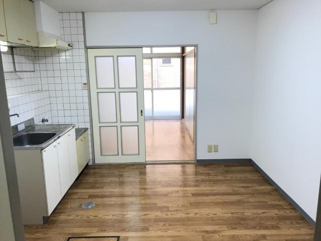 アメニティーパーク神ノ輪 00105号室の居室