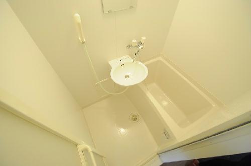 レオパレス花梨 201号室の風呂