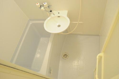 レオパレスまき 201号室の風呂