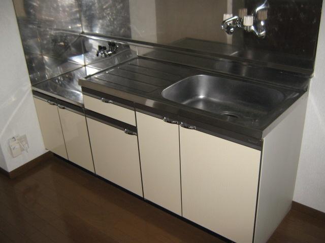 ウィステリアⅡ 201号室のキッチン
