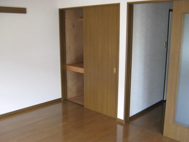 ウィステリアⅡ 201号室の収納
