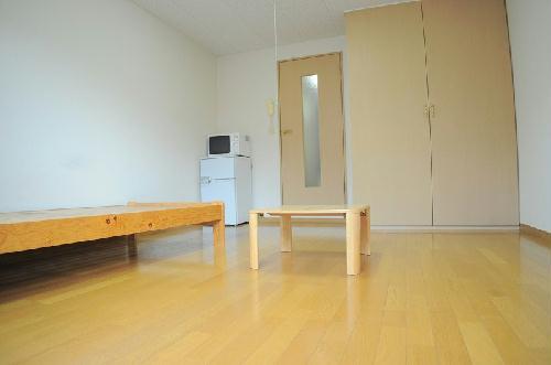 レオパレスナカノ 205号室のベッドルーム