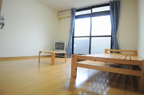 レオパレスナカノ 205号室のリビング