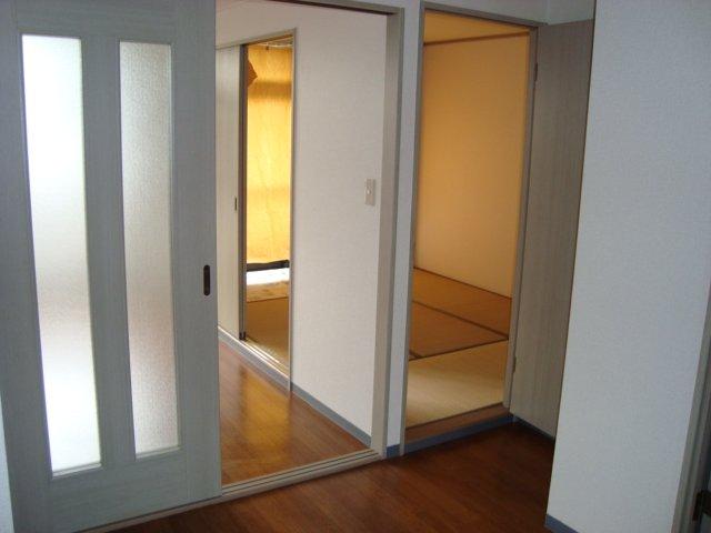 ラメゾンドゥソレイユ 101号室のリビング