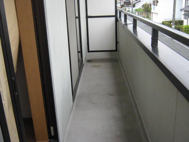 ヴェルデ・ジャルディーノB 205号室のバルコニー