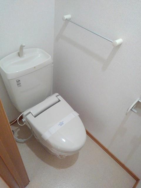 プリムローズ イースト 01020号室のトイレ