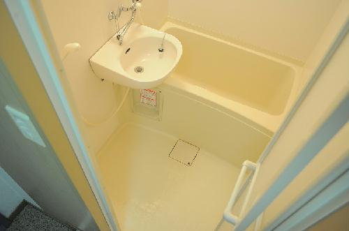 レオパレスナカノ 203号室の風呂