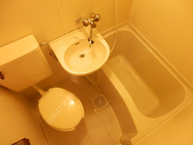 マンション関口 303号室の風呂