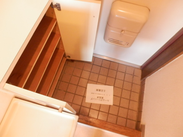 マンション関口 303号室の玄関