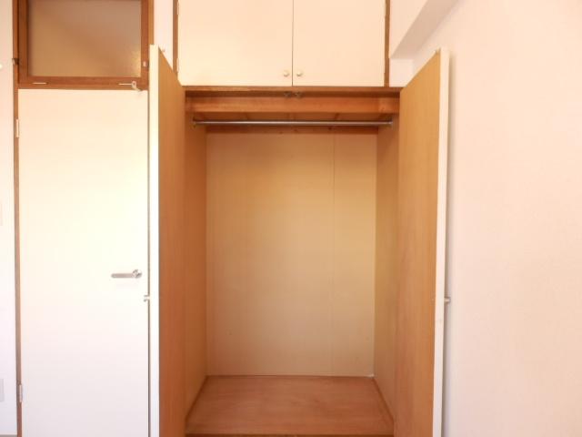 マンション関口 303号室の収納