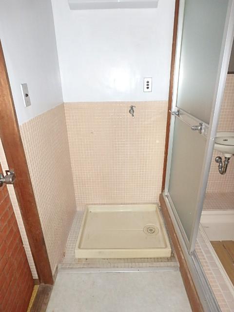 三共ビル 302号室の洗面所