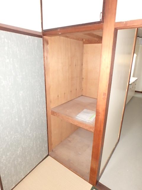三共ビル 302号室の収納