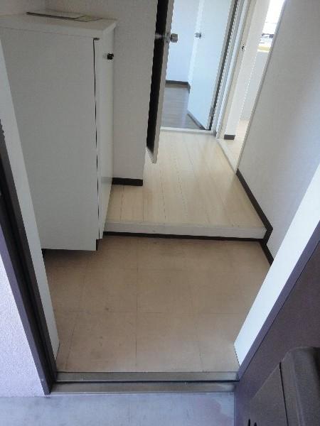グランシャリオ 301号室の玄関