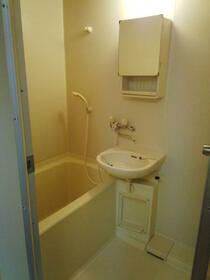 シティパル 202号室の風呂
