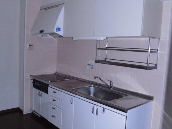 宝東起ハイツ 211号室のキッチン