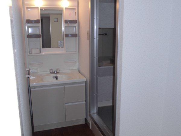 宝東起ハイツ 211号室の洗面所