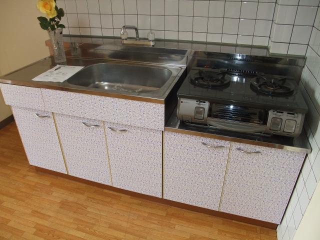 朋友レジデンス 405号室のキッチン