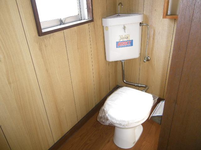 岡田ビル 302号室の洗面所