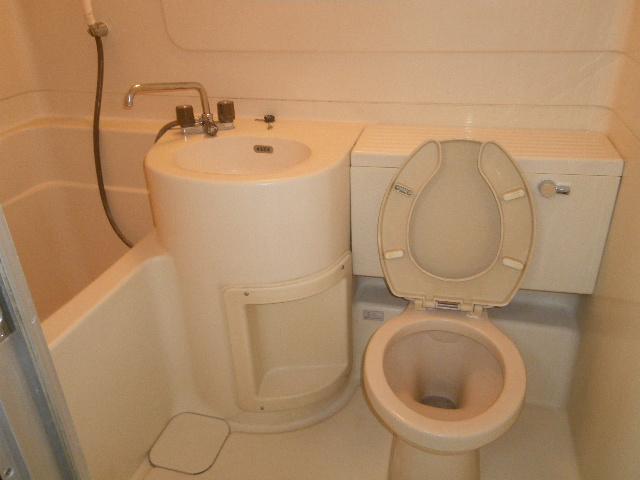 メゾンとよおか 204号室の風呂