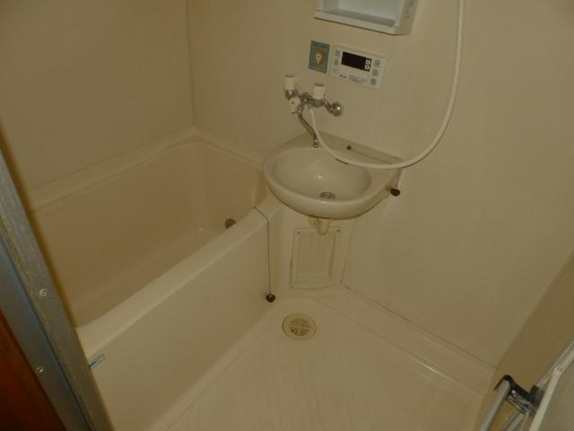コンフォートYOU 201号室の風呂