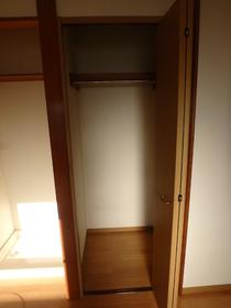 ハイツ下小出 205号室の収納