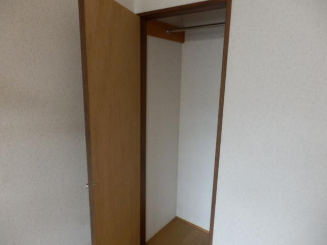 グッドフィールド石原 203号室の収納