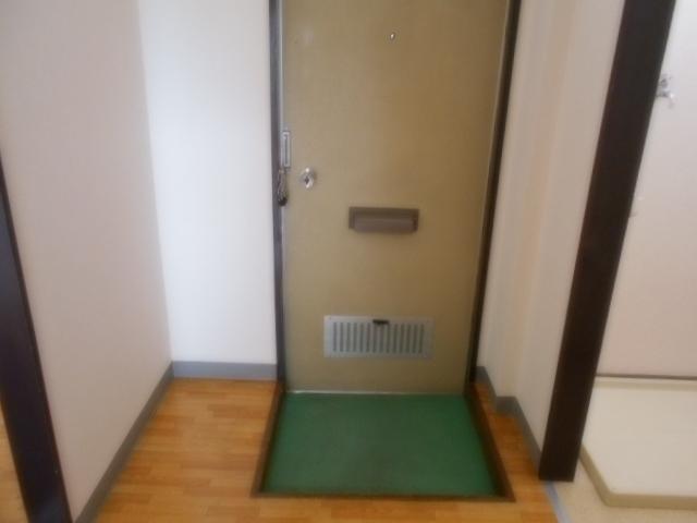 サニーハイツ原口B 204号室の玄関