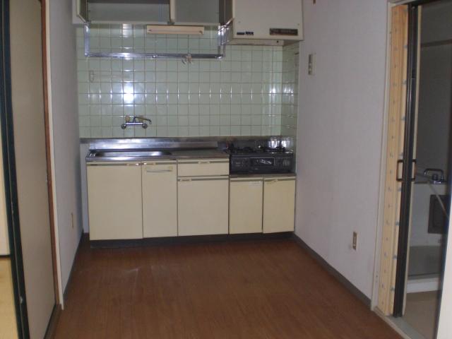 ホワイトピアあけぼの 102号室のキッチン