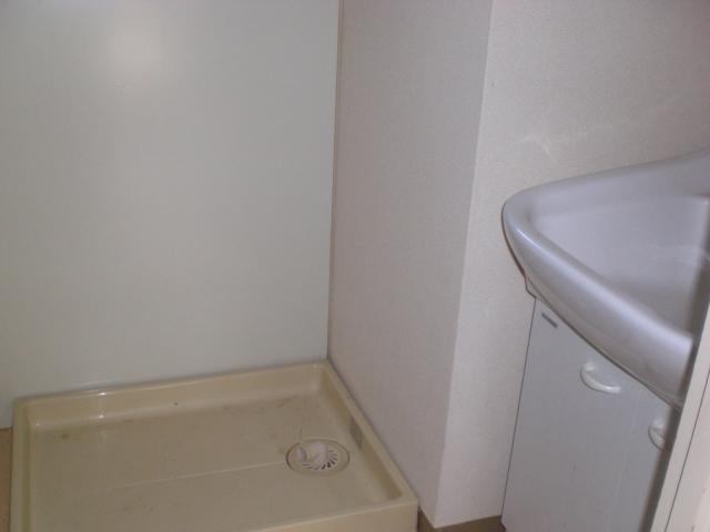 ホワイトピアあけぼの 102号室の洗面所