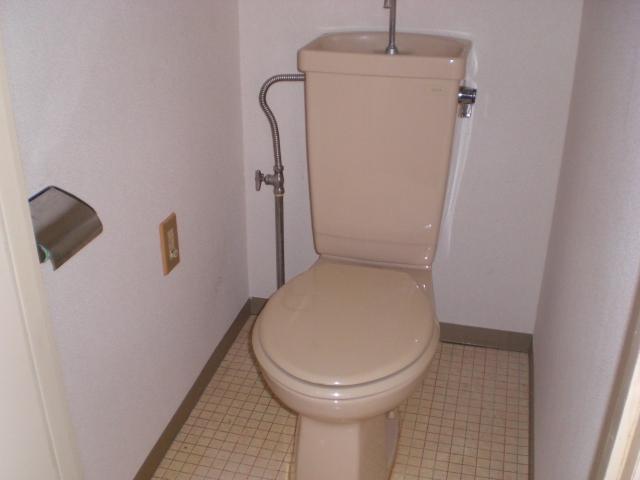 ホワイトピアあけぼの 102号室のトイレ