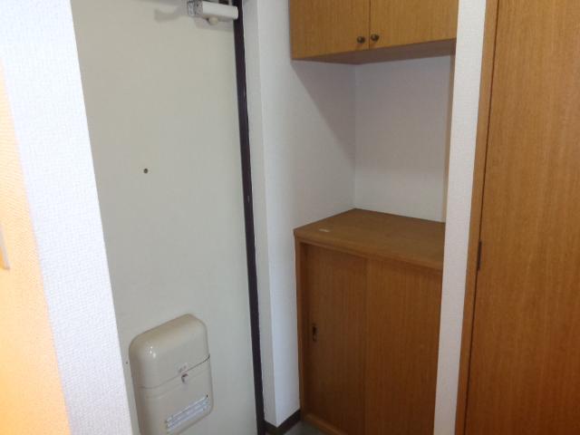 高砂ハイツ石原1 102号室の玄関
