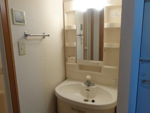 高砂ハイツ石原1 102号室の洗面所
