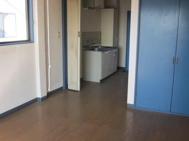 メゾン・ラ・リヴェール 307号室のリビング