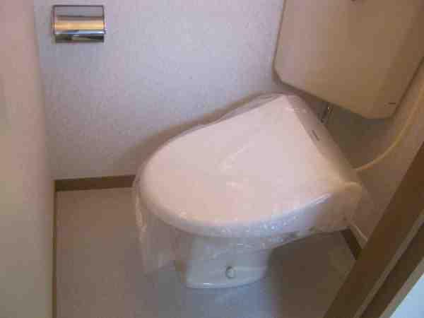 パールハイツ宮町 204号室のトイレ