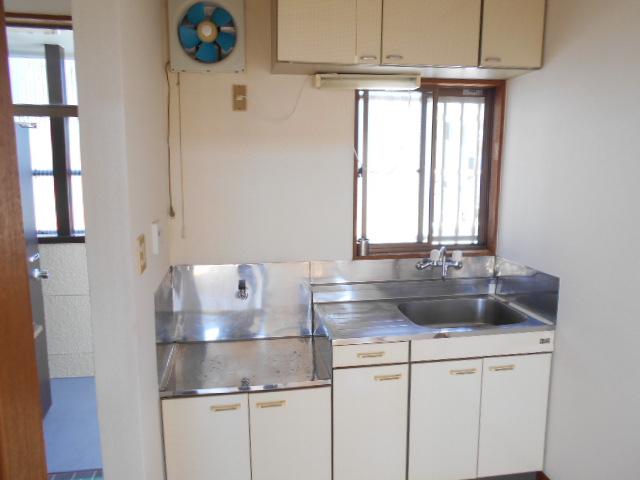 亜沙美ハイツ 201号室のキッチン