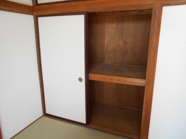 亜沙美ハイツ 201号室のベッドルーム