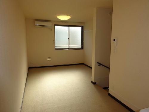 レオネクストウテナ 105号室の居室