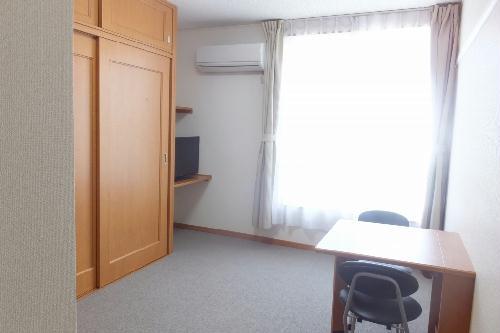 レオパレスアヴニール 204号室のリビング