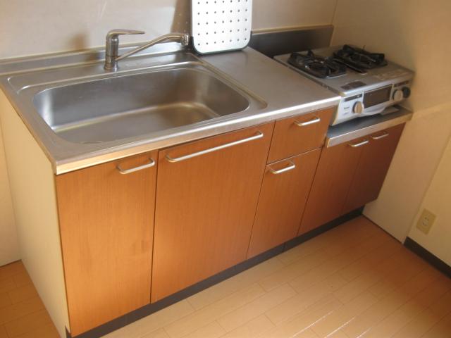 野辺ハイツ E 202号室のキッチン
