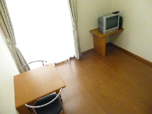 レオパレスPIPA 102号室のベッドルーム