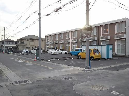 レオパレスエクセディオールⅡ 203号室の駐車場