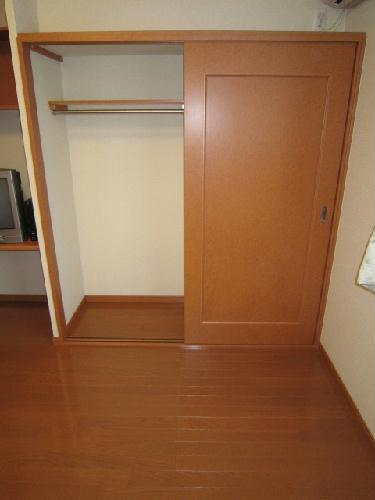 レオパレスサンブルー 105号室の収納