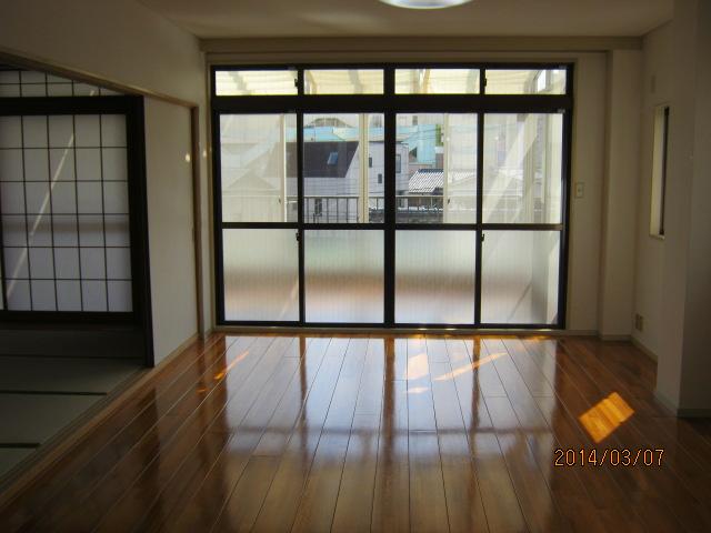 コーポTAKAHASHI 301号室のリビング