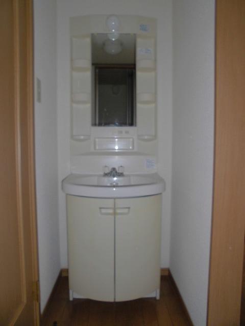 レシェンテ・M 105号室の洗面所