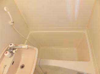 レオパレス赤堀 104号室の風呂