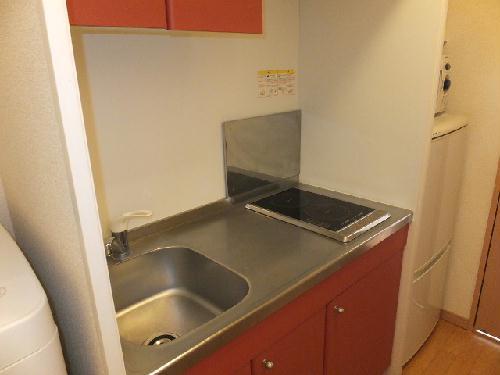 レオパレスモデラーテ 103号室のキッチン