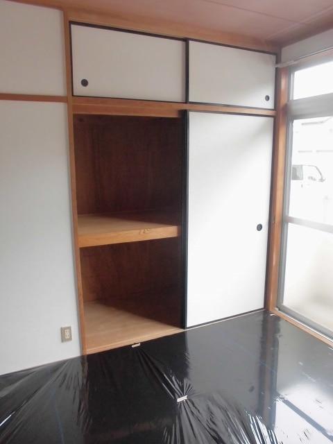 メゾンオザワ 01030号室の収納