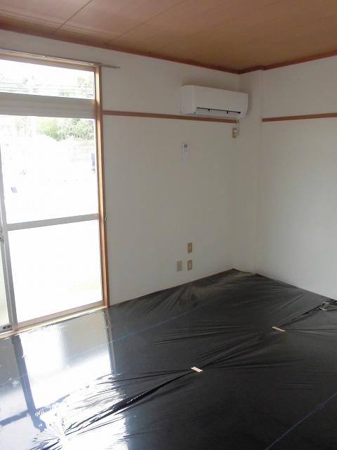 メゾンオザワ 01030号室のリビング