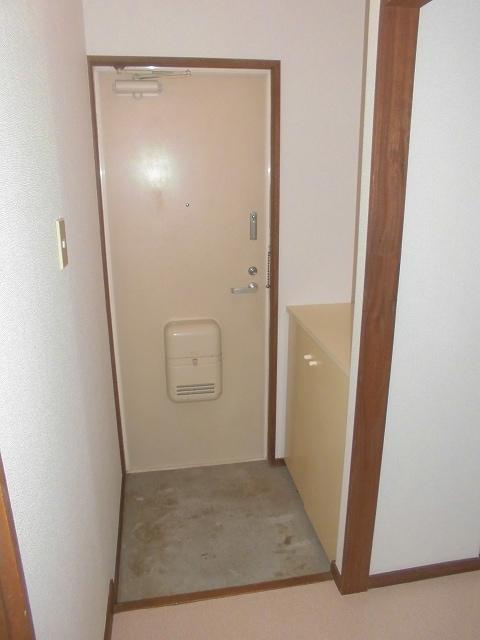 メゾンオザワ 01030号室の玄関